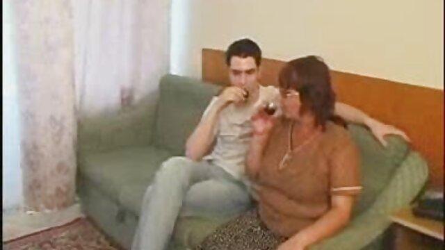 Ucraniano pawg lesbianas tetonas haciendo el amor consigue enculada p2