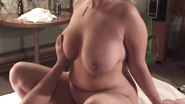 052 serviporno tetonas lesbianas