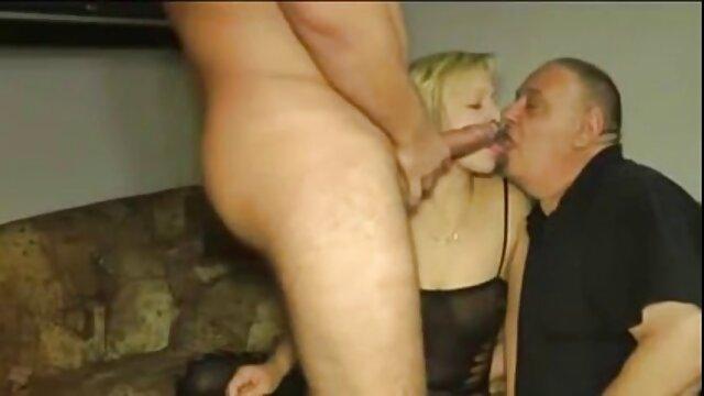 STP Daddy Filma mientras sus amigos se follan a lesvianas interracial su chica!