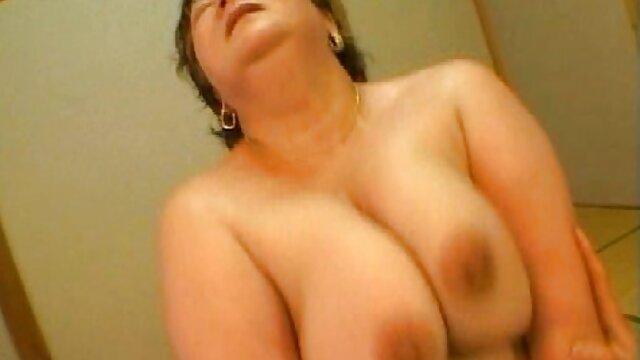 Abuela rubia se traga lesviamas dos pollas grandes